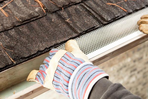 L 39 installation de prot ge goutti res est fortement recommand e - Comment installer des gouttieres ...